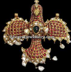 Unique and very ethnic look eagle pendant in kundan work and 22 carat gold metal Polki diamonds Jewelry Design Earrings, Mom Jewelry, India Jewelry, Temple Jewellery, Photo Jewelry, Jewellery Designs, Jewelry Ideas, Indian Wedding Jewelry, Bridal Jewelry
