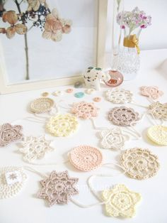 HOLIDAY SALE : Gretel romantic wedding decoration, cottage chic crochet flower garland in ivory, peach & taupe (ready to ship) Crochet Bunting, Crochet Garland, Crochet Decoration, Crochet Motif, Crochet Doilies, Crochet Flowers, Crochet Patterns, Christmas Craft Fair, Crochet Christmas Trees