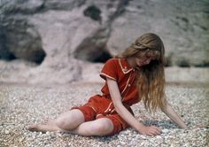 Christina in rood | Paradijsvogels Magazine