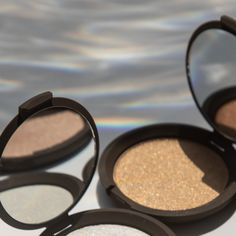 According to market research firm The NPD Group, Becca Cosmetics Shimmer Skin Perfector Pressed Highlighter is the best-selling highlighter in the United States. The cult-favorite highlighter helped start the highlighter trend. Red Violet Hair, Red Brown Hair, Bright Red Hair, Burgundy Hair, Brown Hair Colors, Peekaboo Highlights, Purple Highlights, Becca Shimmering