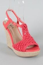 New shoes :) can't wait til they're delivered! Qupid crochet wedge from UrbanOG Crochet Sandals, Crochet Boots, Crochet Slippers, I Love My Shoes, New Shoes, Me Too Shoes, Crochet Shoes Pattern, Shoe Pattern, Boot Cuffs