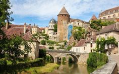 Read our insider's guide to Burgundy, as recommended by Telegraph Travel. Find expert advice and great pictures of top hotels, restaurants, bars and things to do.