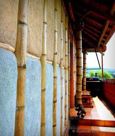Casa com estrutura de bambu na Costa Rica.