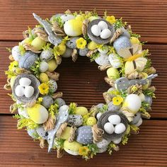 Easter Home Decor Front Doors Easter Tree, Easter Wreaths, Holiday Wreaths, Diy Projects Easter, Easter Crafts, Front Door Christmas Decorations, Diy And Crafts, Creations, Front Doors