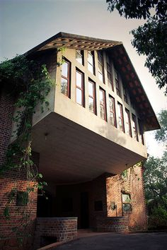 Laurie Baker : Architect's Official Website - Pictures of Buildings