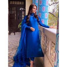 Eid Outfits Pakistani, Pakistani Models, Pakistani Actress, Aiza Khan Wedding, Indian Dresses, Blue Dresses, Vespa Girl, Punjabi Dress, Ayeza Khan