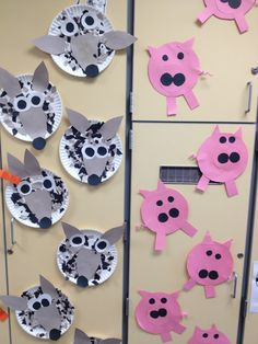 3 Little Pigs - wolf and pig crafts!