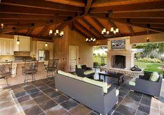 California Living - Outdoor Kitchen and Cabana Outside Living, Outdoor Living Areas, Outdoor Rooms, Living Spaces, Living Room, Indoor Outdoor, Style At Home, Modern Outdoor Kitchen, Outdoor Kitchens
