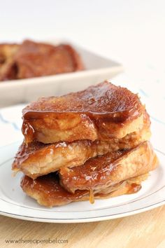 Light Overnight Caramel French Toast: so decadent and super easy! The perfect treat for a relaxing morning. www.thereciperebel.com