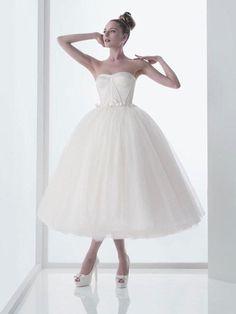 Retro 50s Strapless Ballerina Tea Length White Tulle Wedding Dress