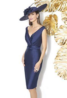 Vestidos de fiesta Cabotine 2018 azul oscuro Elegant Outfit, Elegant Dresses, Sexy Dresses, Evening Dresses, Fashion Dresses, Mother Of Groom Dresses, Mothers Dresses, Mother Of The Bride, Classy Outfits