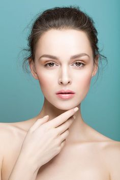 We Are Tan Skin. Look More Youthful With A Few Skin Care Tips. Good skin care is not just about looking attractive. Strategies that give you beautiful skin are often the same actions that improve your health as well. Anti Aging Eye Cream, Best Anti Aging, Best Beauty Tips, Beauty Hacks, Beauty Skin, Hair Beauty, Beauty Background, Beauty Shoot, Beauty Portrait
