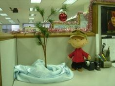 Love Charlie Brown Christmas!  A cubicle decoration idea, but this would look great anywhere.