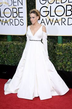 Golden Globes 2017: The Best Red Carpet Style - Sarah Jessica Parker Was Nominated For Best Performance. She Wore A White Vera Wang Dress To The Event And Paid Homage To The Carrie Fisher By Styling Her Hair In A Halo Braid