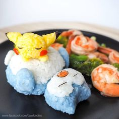 Go eat'em all: Care for some Pokemon rice balls? Bento Kawaii, Cute Bento, Cute Food, Yummy Food, Kawaii Cooking, Japanese Food Art, Japanese Rice, Japanese Candy, Little Lunch