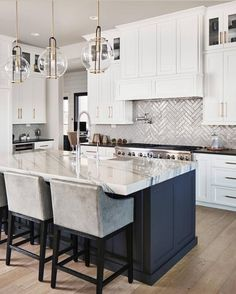 39 Adorable White Kitchen Design Ideas Are you looking forward to give a vintage. 39 Adorable White Kitchen Design Ideas Are you looking forward to give a vintage look to your kitchen? Home Decor Kitchen, Interior Design Kitchen, Diy Kitchen, Home Kitchens, Kitchen Dining, Kitchen White, Blue Kitchen Island, White Grey Kitchens, House Kitchen Design