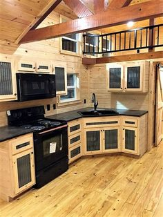 Tiny House Movement and Why it's so Popular - Rustic Design Best Tiny House, Tiny House Cabin, Tiny House Living, Tiny House Plans, Tiny House Design, Tiny House Ideas Kitchen, Tiny House With Loft, Tiny House Kitchens, Two Bedroom Tiny House