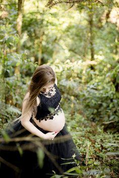 ensaio gestante lúdico saia de tutu de bailarina coroa de flores rendas fotógrafa Anne Caron Curitiba Memorial Ucraniano grávida de gêmeas (6 (1)