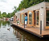 Eco floating home