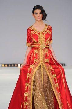 Un sublime caftan rouge et or. Un classique marocain, indispensable pour un mariage de princesse !