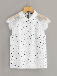 To find out about the Plus Lace Raglan Sleeve Heart Print Collared Blouse at SHEIN, part of our latest Plus Size Blouses ready to shop online today! Looks Plus Size, Collar Blouse, Blouse Online, Plus Size Blouses, Printed Blouse, Types Of Sleeves, Blouses For Women, Women's Blouses, Sleeve Styles