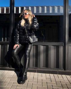 Black Down, Moncler, Leather Pants, Kawaii, Instagram, Fashion, Jackets, Leather Jogger Pants, Moda