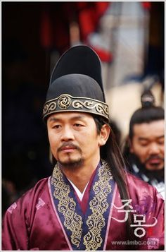 "Jumong (Hangul: 삼한지-주몽 편; hanja: 三韓志-朱蒙篇주몽; RR: Samhanji-Jumong Pyeon; lit. ""The Book of the Three Hans: The Chapter of Jumong"") is a South Korean historical period drama series that aired on MBC from 2006 to 2007. The series examines the life of Jumong, founder of the kingdom of Goguryeo. Few details have been found in the historical record about Jumong, so much of the series is fictionalized.재사  차광수"