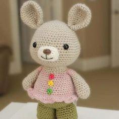 Rosie bunny amigurumi crochet pattern by Little Muggles