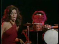 muppet show - batteur fou - YouTube