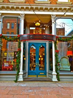 Very attractive storefront!