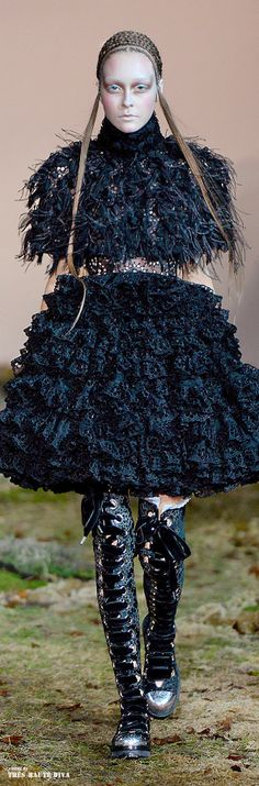 #Alexander #McQueen Fall/Winter 2014 RTW #Paris Fashion Week