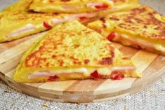 placinta-la-tigaie-cu-aluat de cartofi-6 Healthy Breakfast Recipes, Healthy Recipes, Baby Food Recipes, Cooking Recipes, Mini Appetizers, Good Food, Yummy Food, Romanian Food, Food Design