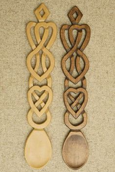 wonderful Welsh Love Spoons Stone Carving, Wood Carving, Welsh Love Spoons, Heart Knot, Carved Spoons, Wood Burning Crafts, Wood Spoon, Celtic Designs, Hand Carved