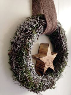 winterlicher Türkranz mit Stern von kunstbedarf24 auf DaWanda.com
