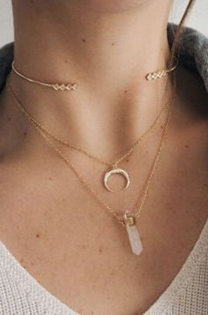 Gold choker with layered necklaces featuring horns and a Rose Quartz. // Details: 21 Stores You'll Love If You're Obsessed With Urban Outfitters // Pinned on DIY fashion inspiration. Cute Jewelry, Gold Jewelry, Jewelry Box, Jewelry Accessories, Fashion Accessories, Jewelry Necklaces, Fashion Jewelry, Jewelry Design, Gold Bracelets