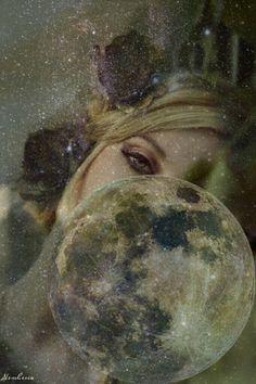 Che fai tu, luna, in ciel? dimmi, che fai, silenziosa luna? (Giacomo Leopardi)  #moon #moonlight #night #stars #woman #galaxy #surrealism #double #exposure #fineartphotography #dreams
