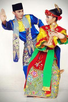 Betawi adalah suku asli Jakarta Indonesia. Terkenal dengan tanjidor dan ondel-ondelnya