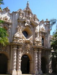Balboa Park in California buildings -  new way to travel on a budget
