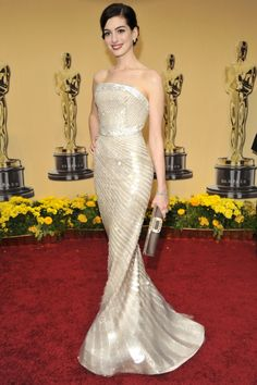 Oscar Awards 2015: Past Red-Carpet Looks That Rachel Zoe Loves   The Zoe Report Anne Hathaway in Armani Prive', 2009