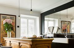 No Marais, a cozinha dos meus sonhos Furniture, European House, Interior, Danish Style, Home Decor, Kitchen, Inside, Interior Design, Black And White Design