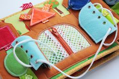 Handmade by mom: Очередная готовая развивающая книжечка, на это раз для девочки Катюши!!!