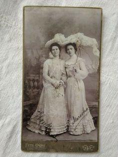 Antique HUN cabinet photo, ladies in lace dresses, hat, umbrella, Pete Gyula Vintage Photographs, Vintage Photos, Antique Photo Frames, Dresser, Lace Dresses, Cabinet, Journaling, Vintage Fashion, Hat