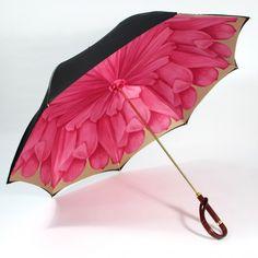 Umbrella 3 Black exterior with pink flower interior by Illesteva. So pretty Vintage Umbrella, Black Umbrella, Umbrella Art, Under My Umbrella, Dome Umbrella, Walking In The Rain, Singing In The Rain, I Love Rain, Korean Hanbok