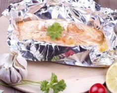 Papillote de saumon et tomates cerise au four : http://www.fourchette-et-bikini.fr/recettes/recettes-minceur/papillote-de-saumon-et-tomates-cerise-au-four.html