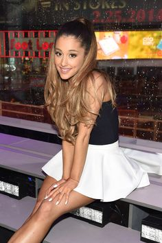 "Hear Ariana Grande's New Song ""Break Free""I love this song ❤️I love Ari"