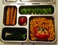 Alyson Hannigan's Kids' Lunches: macaroni hair with tomato parmesan face