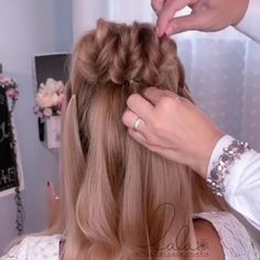 Easy Hairstyles For Long Hair, Girl Hairstyles, Braided Hairstyles, Wedding Hairstyles, Hairstyles Videos, Running Late Hairstyles, Formal Hairstyles, Latest Hairstyles, Short Hair Makeup