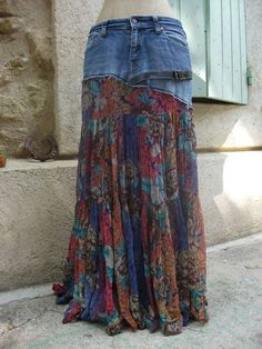 Totale - recyclage et Cie . I just have a holey jeans and an old smocked sk Refaçonner Jean, Jean Diy, Denim Fashion, Boho Fashion, Skirt Fashion, Jeans Refashion, Mode Jeans, Denim Ideas, Denim Crafts