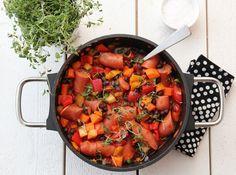 Pølsegryte med paprika og bønner One Pan Dinner, Frisk, Pretty Good, Ratatouille, Pot Roast, Stew, Sausage, Ethnic Recipes, Food