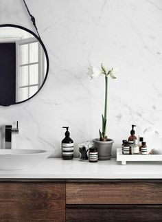 6 RUSTIC DECOR IDEAS TO TURN YOUR BATHROOM AROUND